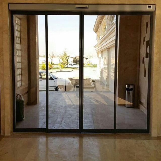 درب اتوماتیک شیشه ای ساختمان